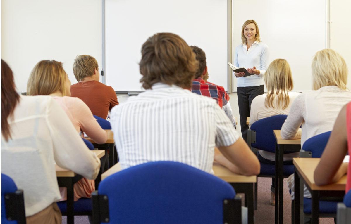 Työelämän ja opintojen yhteensovittamista pitää tehdä jo opiskelujen aikana.