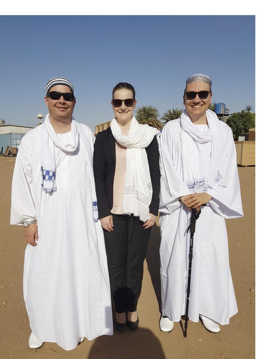 Insinöörit Sami Kiesiläinen, Sanna Mäkinen ja Ismo Karjalainen työskentelivät Sudanissa.