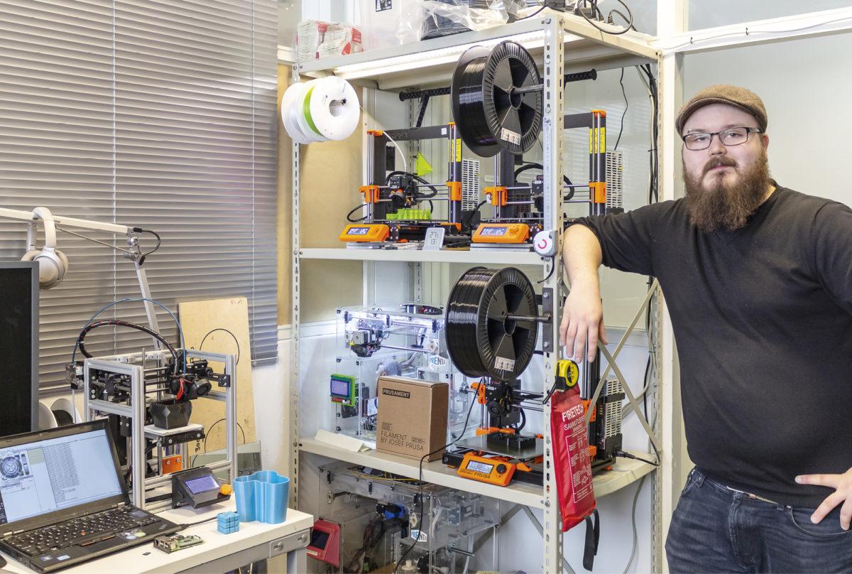 Marko Hakunisella on enemmän 3D-tulostimia kuin astioita.