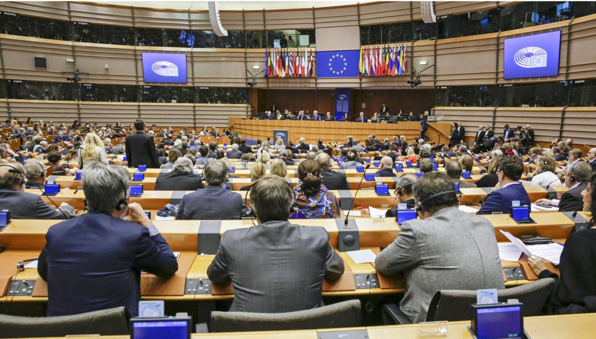 Euroedustajat aloittavat uuden kautensa parlamentin istuntosalissa Brysselissä heinäkuun alussa.