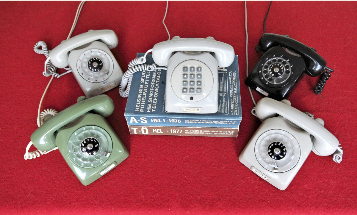 LM Ericssonin Dialog on puhelinmuotoilun ikoni, jota valmistettiin Ruotsin lisäksi Kirkkonummen Jorvaksessa.