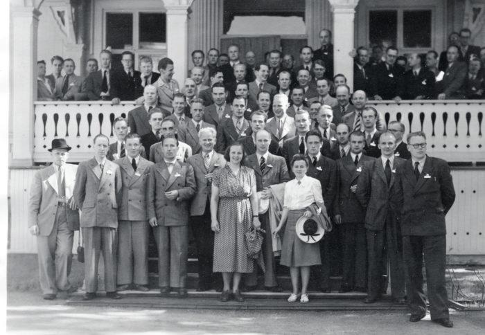 Insinööriliiton kesäkokousta vietettiin Varkaudessa vuonna 1949. Lähde: Toimihenkilöarkisto.
