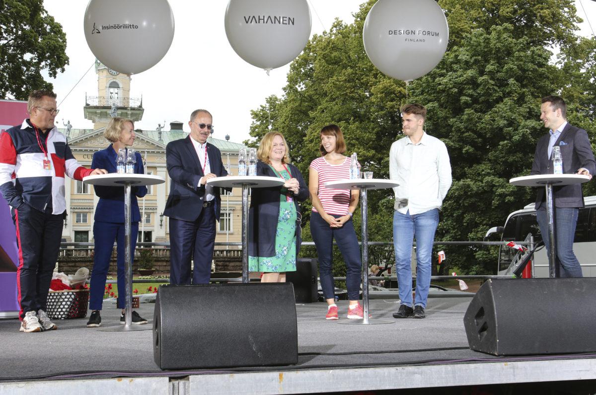 Insinööriliitto oli esillä heinäkuussa Porissa sekä SuomiAreenalla että Pori Jazzeilla. Suomi Areenan keskustelutilaisuuksissa oli esillä muun muassa matemaattis-luonnontieteellisten aineiden merkitys.