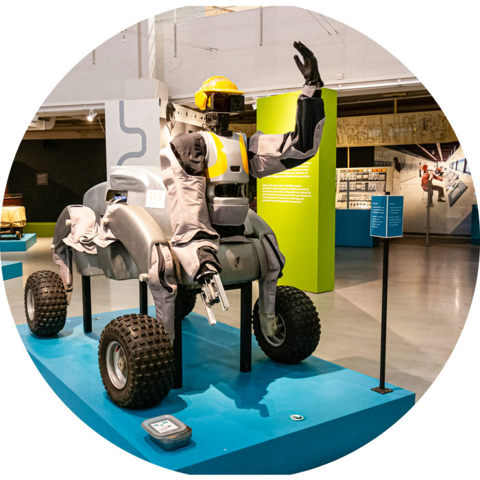 TKK:lla kehitettiin robotti astronautin apuriksi.