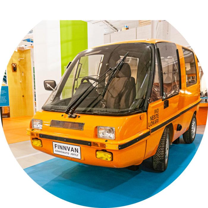 Posti kehitti sähköauton  1990-luvulla.