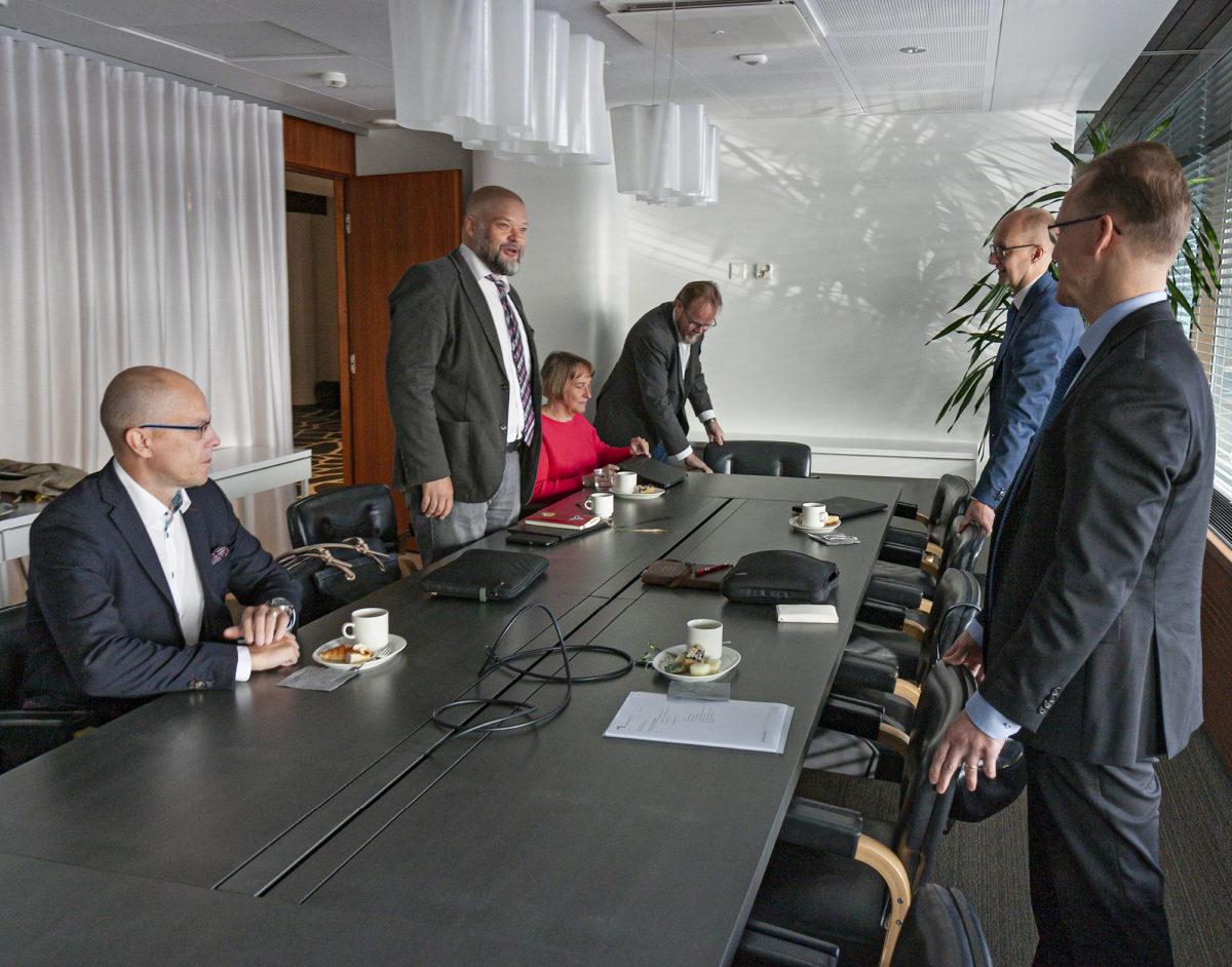 Syyskuussa aloitettiin YTN:n ja Teknologiateollisuuden väliset työehtosopimusneuvottelut, mutta vielä joulukuun alkupuolellakaan ei ole saavutettu neuvottelutulosta.