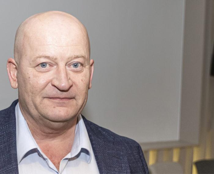 Äänestysvuorossa Tuomas Hara Helsingin Insinööreistä.