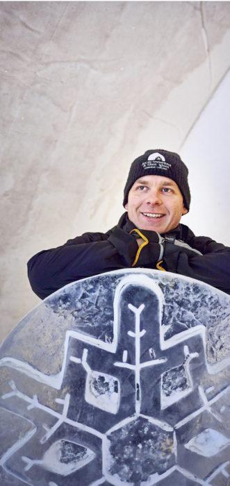 – Ei tällaista lumirakennusta ainakaan tätä etelämmäksi kannata rakentaa, Ville Haavikko sanoo.