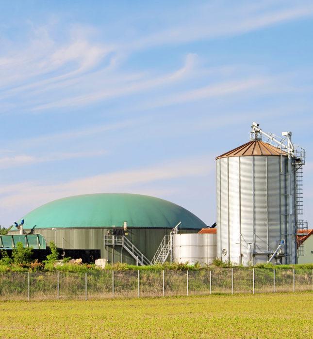 Biokaasulaitos tuottaa hiilidioksidia,  joka voitaisiin sitoa rakennustuotteisiin.