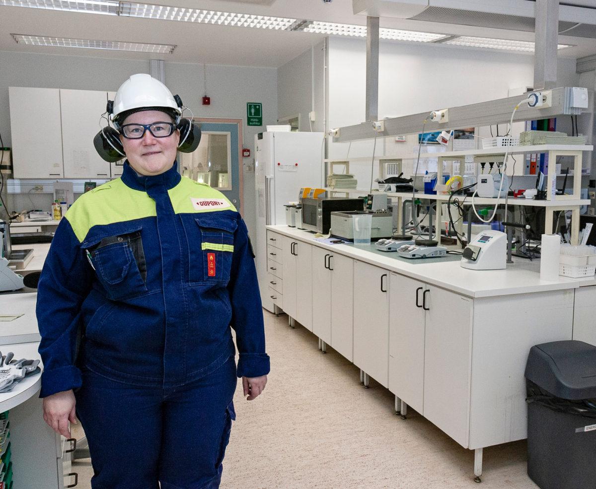 Terhi Syrjäaho toimii Genencorin Jämsänkosken-tehtaan johtoryhmässä.