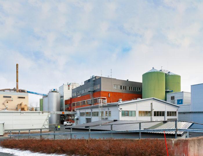 Genencorin tehdas sijaitsee Jämsänkoskella takana näkyvän UPM:n paperitehtaan vieressä.