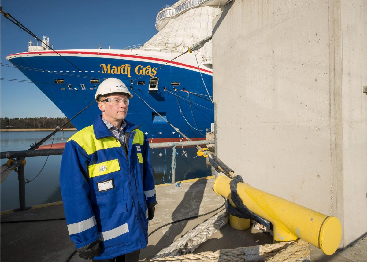 Kari Sillanpää on työskennellyt telakalla yli 30 vuotta.