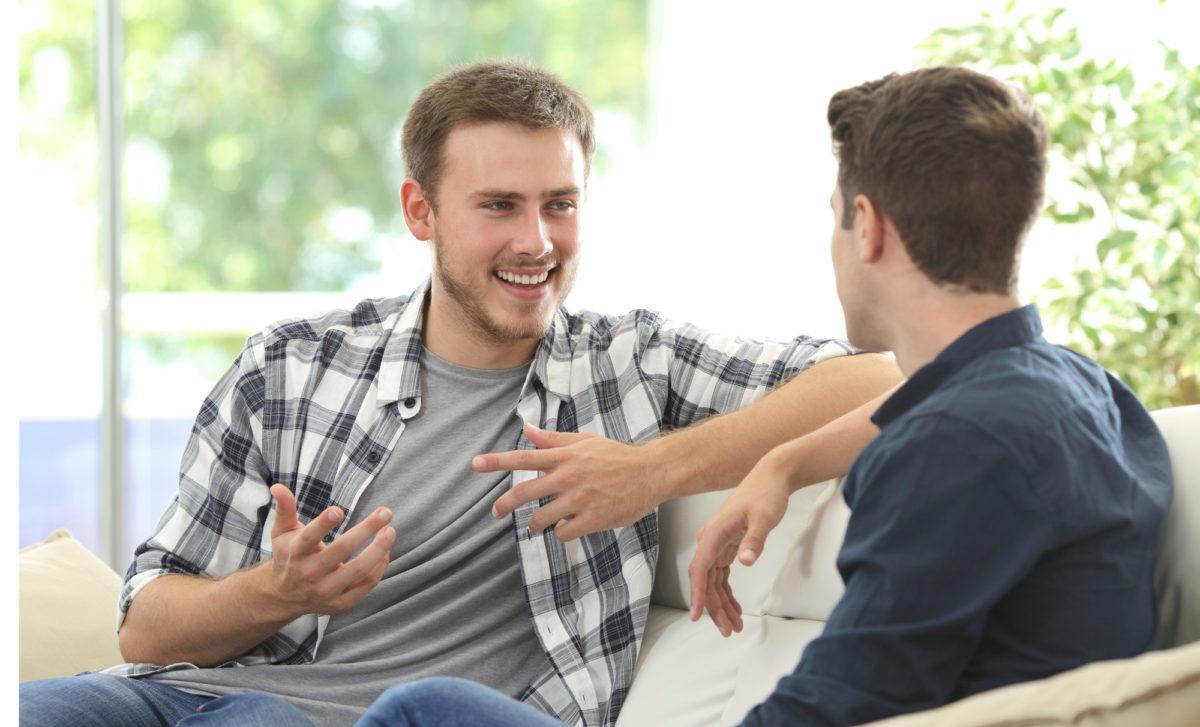 Alumnitilaisuuksissa  voi tavata entisiä  opiskelukavereita.