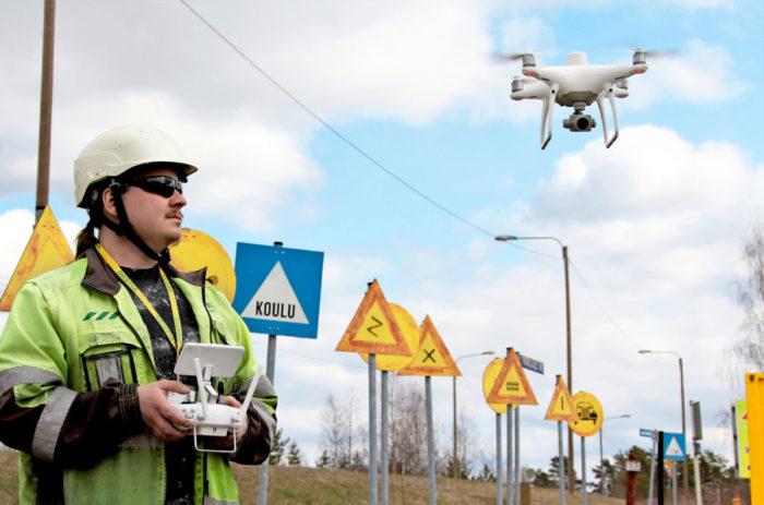 Jukka Ruotsalaisen ohjaama kamerakopteri tuottaa säännöllisillä lennoillaan valtavasti hyödyllistä dataa niin suunnitteluun kuin toteutukseen.