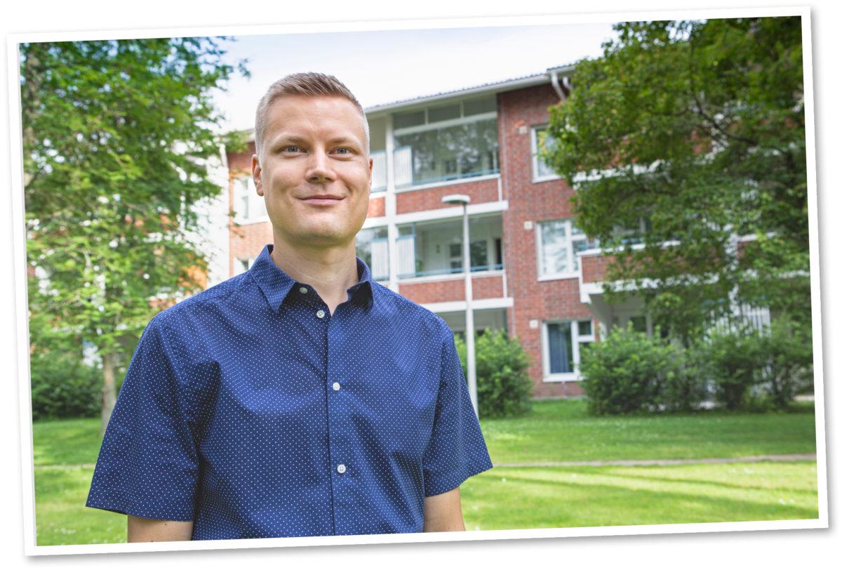 Antti Pitkänen pitää huolta 31 vuotta vanhan talon tekniikasta.