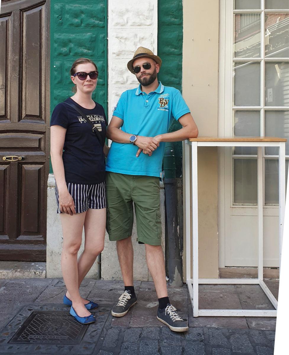 Jenny ja Jarno Petäkoski viihtyvät Leónin vanhassa- kaupungissa.