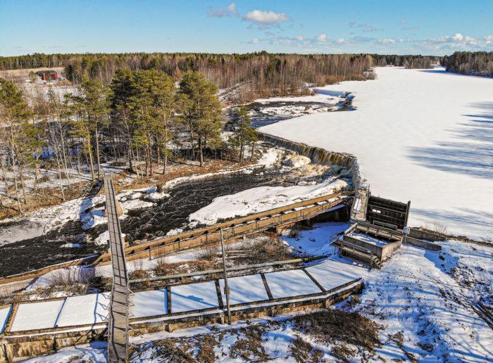Pöyryn ja muiden voimalaitosten huoltotyöt väistyvät yleensä talvisäiden takia.