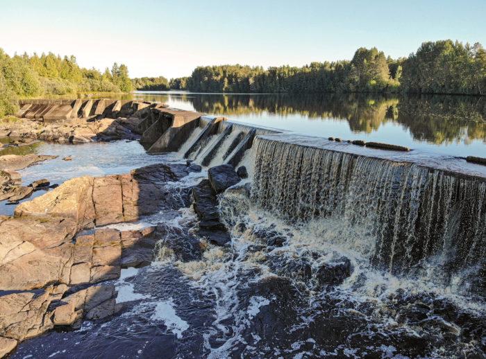 Pöyryn vesivoimalaitos Siikajoessa on teholtaan 0,5 megavattia.
