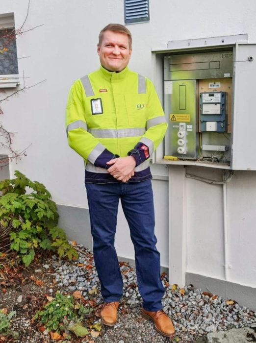 Mika Itkonen vastaa sähkönkulutusmittareiden älyverkoista Pohjoismaissa.