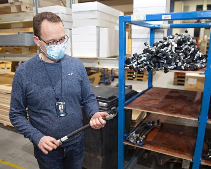 Jukka Järvi kertoo, että puristettavien liitosten markkinat ovat maailmanlaajuiset.