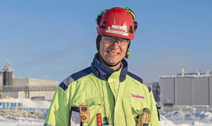 Joni Lukkaroinen nostaa metallituotannon jalostusastetta.