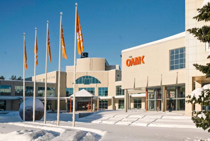 Oulun ammattikorkeakoulun opiskelijoista kolme neljästä jää töihin Pohjois-Pohjanmaalle.