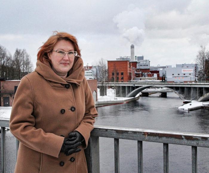 – Äänekosken kaupunki on lähtenyt biotuotetehtaan investoinnin myötä elämään uudella tavalla,  Sari Åkerlund iloitsee.