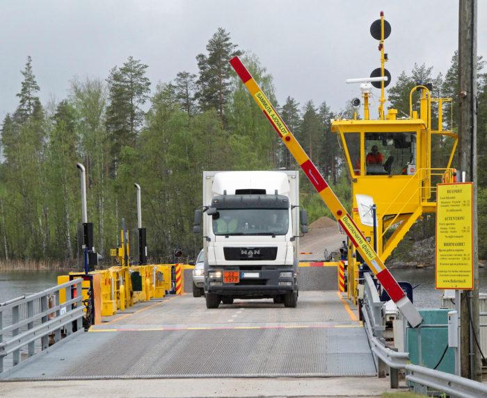 Mikkelin Anttolan eteläpuolella kulkevan Kuparonvirran lossin tilalle on suunnitteilla silta väylän pohjoispuolelle. Lossin reitti on 235 metriä pitkä.