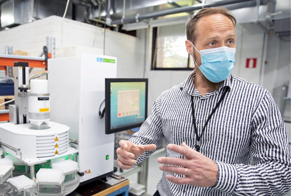 Saku Rantala sai tehtäväkseen DNA–RNA-erotuslaitteiden tuotannon moninkertaistamisen.