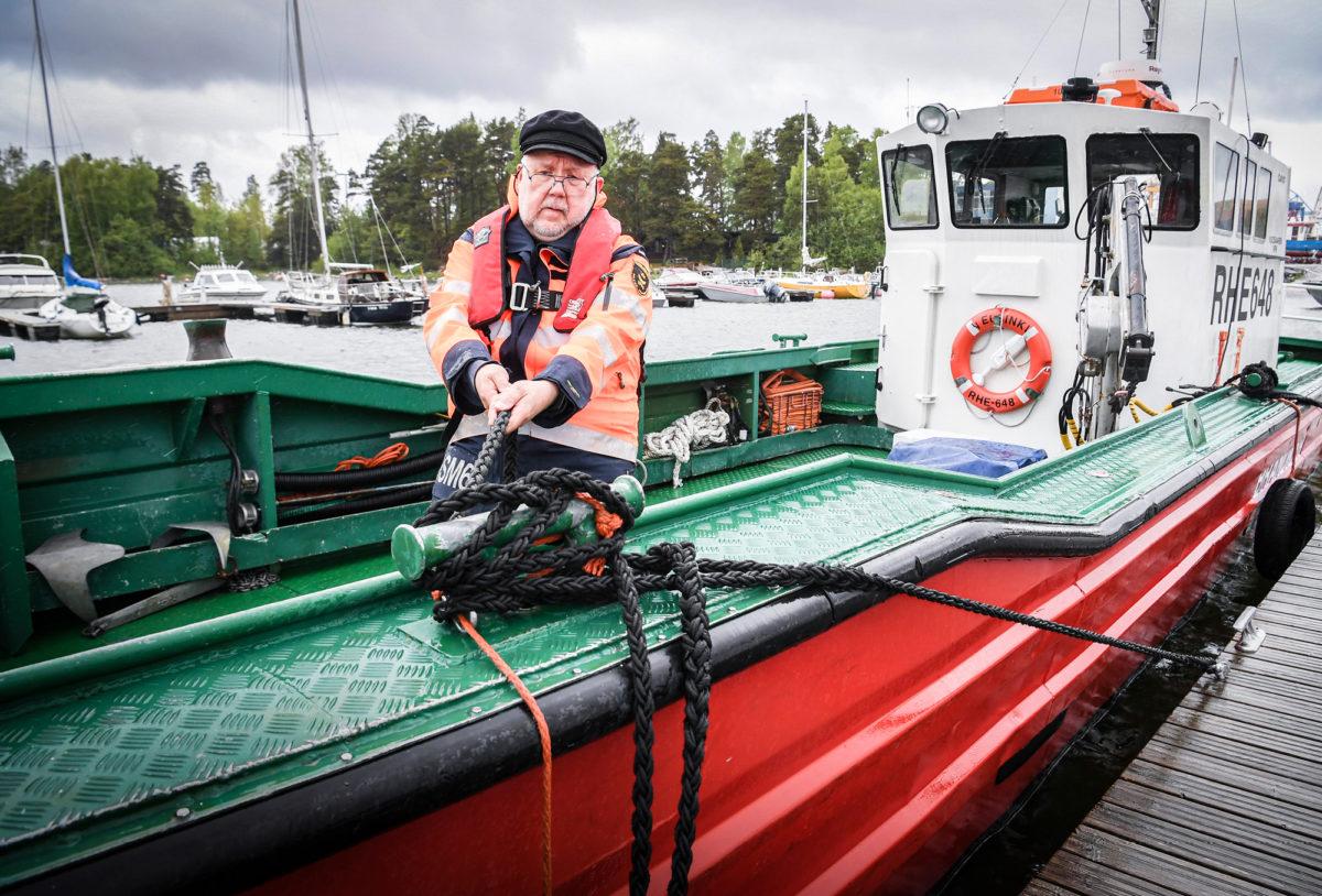 – On kiva auttaa, etenkin kun näkee ihmisten kiitollisuuden avun saamisesta, Juha Särkkä sanoo.
