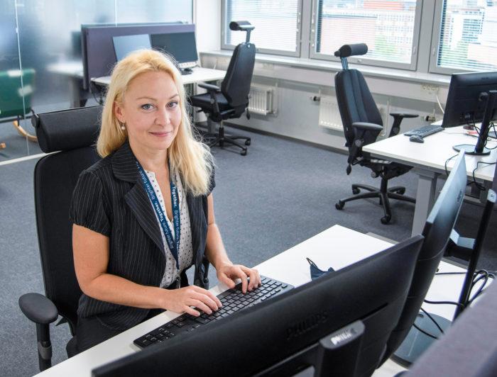 Jenni Tyynelä korostaa ennakointia työvoiman riittävyyden varmistamiseksi.
